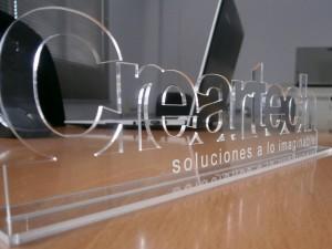cartel_en_metacrilato